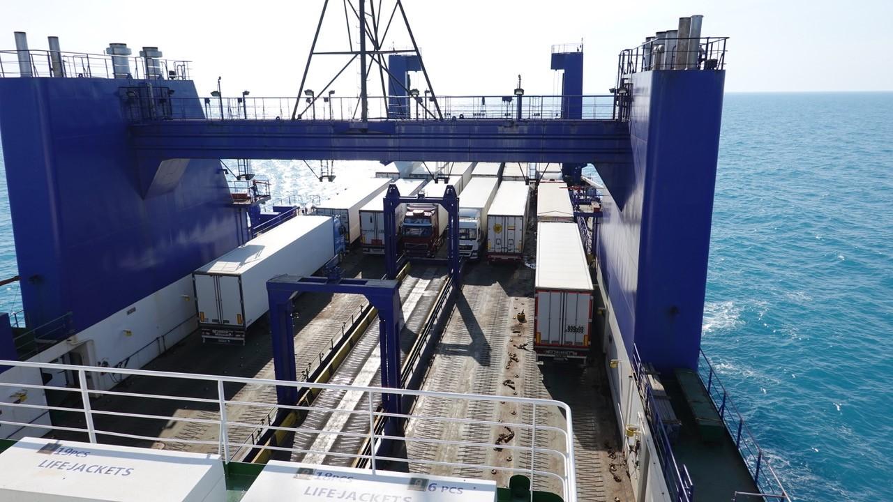 Fotr na tripu - trajekt a výhled na moře